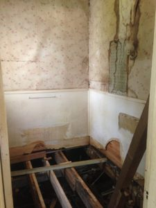 bathroom remodeling Reno, image of bathroom tear down